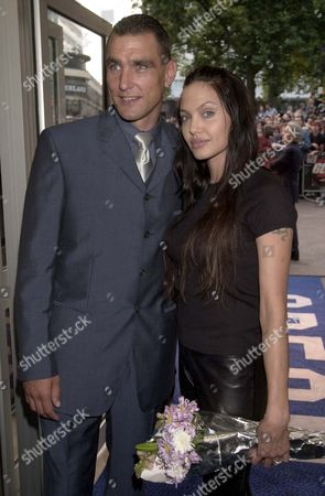 VINNIE JONES AND ANGELINA JOLIE AT THE GALA PREMIERE OF FILM 'GONE IN 60 SECONDS'. LONDON BRITAIN