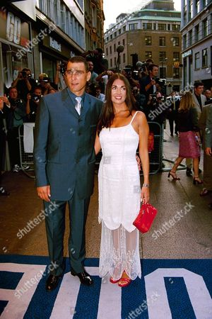 VINNIE JONES AND WIFE AT THE PREMIERE OF FILM 'GONE IN 60 SECONDS' AT THE ODEON, LEICESTER SQUARE LONDON BRITAIN