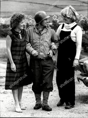 Film 'yanks' 1978 L-r Actress Sue Parker Actor Dale Roberts And Ruth Bradshaw Yanks Is A 1979 Period Drama Film Set During World War Ii In Northern England. The Film Was Directed By John Schlesinger And Starred Richard Gere Vanessa Redgrave William Devane Lisa Eichhorn And Tony Melody. It Was Schlesinger's First British Movie Since Sunday Bloody Sunday Which He Directed In 1971. Despite Being Set During The Second World War The Film Is A Character Study Which Features No Combat Or Fighting Scenes. The Film Depicts The Relationships Between American Soldiers Stationed In Semi-rural Northern England And The Local Population During The Build-up To Operation Overlord In 1944. In Particular Three Romances Between Us Service Personnel And Local Women Are Shown In Order To Explore The Effects Of The Cultural Differences Between The Brash Gis Or 'yanks' And The More Reserved British Population.