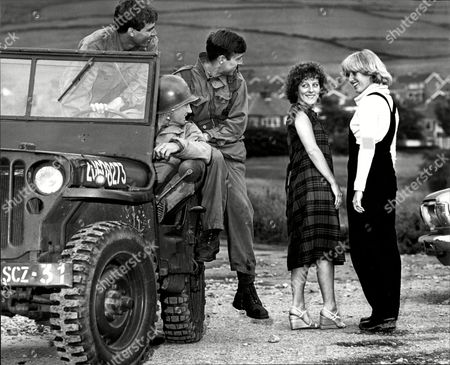 Film 'yanks' 1978 Actresses Sue Parker (left) And Ruth Bradshaw (right) Yanks Is A 1979 Period Drama Film Set During World War Ii In Northern England. The Film Was Directed By John Schlesinger And Starred Richard Gere Vanessa Redgrave William Devane Lisa Eichhorn And Tony Melody. It Was Schlesinger's First British Movie Since Sunday Bloody Sunday Which He Directed In 1971. Despite Being Set During The Second World War The Film Is A Character Study Which Features No Combat Or Fighting Scenes. The Film Depicts The Relationships Between American Soldiers Stationed In Semi-rural Northern England And The Local Population During The Build-up To Operation Overlord In 1944. In Particular Three Romances Between Us Service Personnel And Local Women Are Shown In Order To Explore The Effects Of The Cultural Differences Between The Brash Gis Or 'yanks' And The More Reserved British Population.