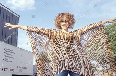Dina Carroll Mardi Gras 2001