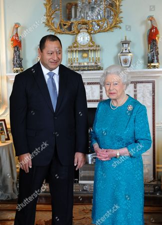 King Tupou VI of Tonga and Queen Elizabeth II