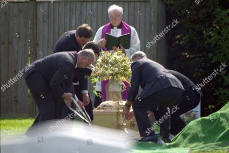 Editorial picture of SIR ALEC GUINNESS FUNERAL, PETERSFIELD HAMPSHIRE BRITAIN