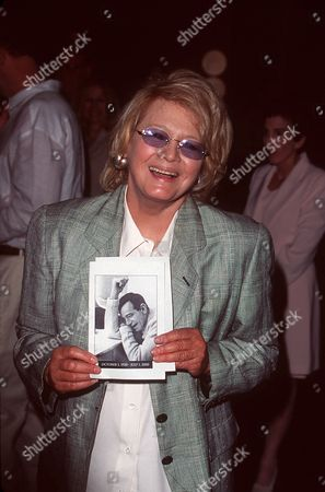 ANGIE DICKINSON ATTENDS WALTER MATTHAU MEMORIAL AT THE DIRECTORS GUILD,SUNSET BOULEVARD HOLLYWOOD. SUNDAY 20TH AUGUST, 2000.