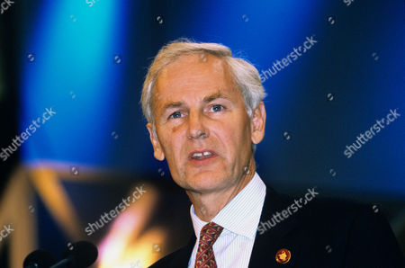 Editorial photo of CONSERVATIVE PARTY CONFERENCE, BOURNEMOUTH, BRITAIN - OCT 2000
