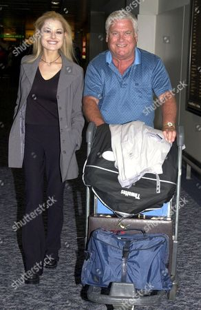 TOM OLIVER AND MADELEINE WEST ARRIVING AT HEATHROW AIRPORT LONDON BRITAIN