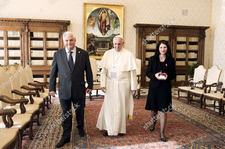 Ricardo Martinelli and wife Marta Linares with Pope Francis I