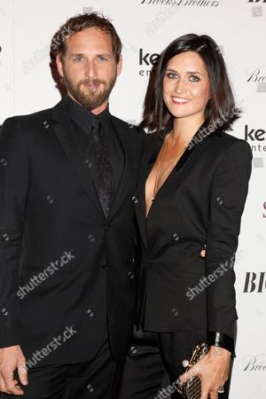 Stock Picture of Josh Lucas and wife Jessica Henriquez