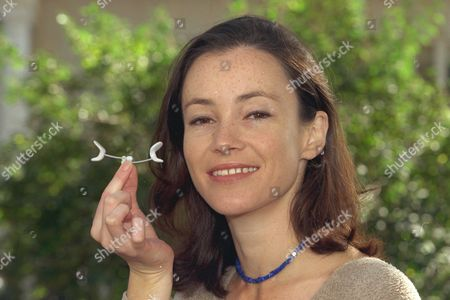 Nicole Henry Testing The Facial Flex Exerciser That Claims To Keep Users Looking Young 1997.