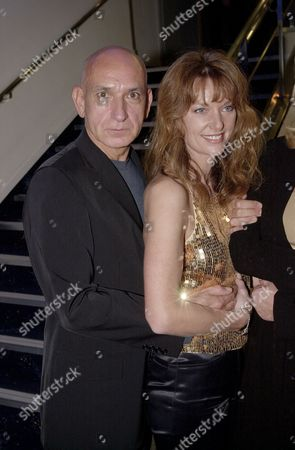 """BEN KINGSLEY AND JULIANNE WHITE AT THE PARTY FOR """" SEXY BEAST"""" AT THE HAMPSHIRE HOTEL IN SOHO. LONDON , BRITAIN"""