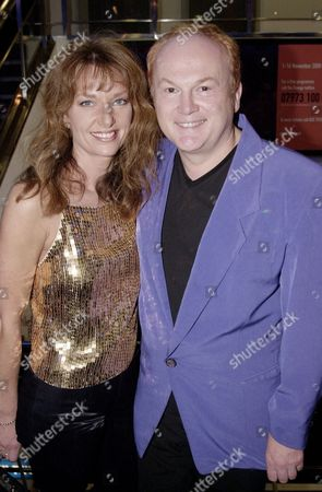 """MIKE BATT AND JULIANNE WHITE AT THE PARTY FOR """" SEXY BEAST"""" AT THE HAMPSHIRE HOTEL IN SOHO. LONDON , BRITAIN"""