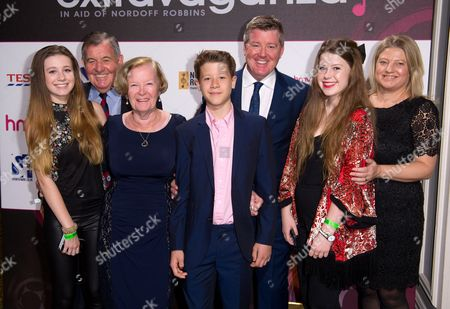 Geoff Shreeves and family