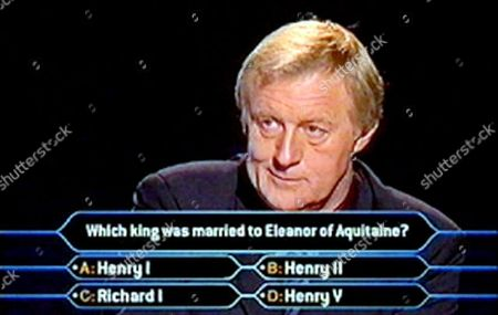 """CHRIS TARRANT ASKS THE MILLION POUND QUESTION TO JUDITH KEPPEL AS SHE BECOMES THE FIRST PERSON TO WIN A MILLION POUNDS ON """" WHO WANTS TO BE A MILLIONAIRE """" BRITAIN"""