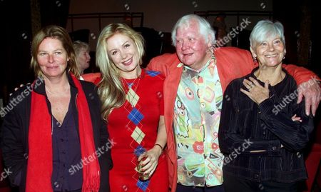 KEN RUSSELL AND HIS 3 PREVIOUS WIVES. L-R: VIVIEN JOLLY (SECOND WIFE), HETTY BAINES (3RD WIFE), FILM DIRECTOR KEN RUSSELL AND SHIRLEY KINGDOM (1ST WIFE) LONDON BRITAIN