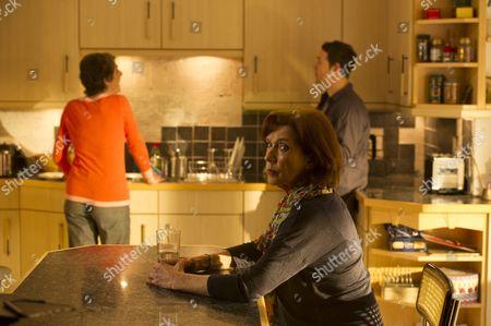 Linda Marlowe as Lynn Brand.