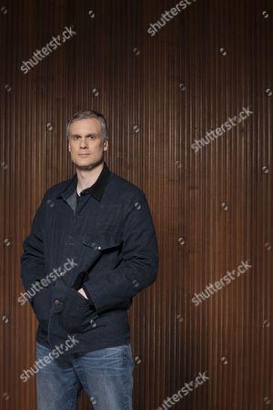 Darren Boyd as Daniel Reid.