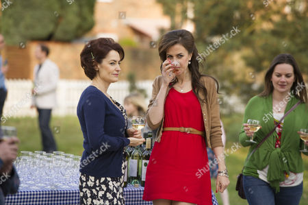 Pooky Quesnel as Katherine Kelly as Claire Reid.