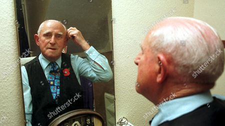85 YEAR OLD FRED WHITTINGHAM GETS READY FOR A LATE NIGHT AT THE BALCONY CLUB, RYDE , ISLE OF WIGHT, BRITAIN