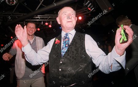 85 YEAR OLD FRED WHITTINGHAM DANCING AT THE BALCONY NIGHT CLUB, RYDE ISLE OF WIGHT,BRITAIN.