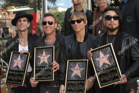 Perry Farrell, Dave Navarro, Chris Chaney and Stephen Perkins