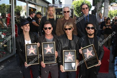 Perry Farrell, Dave Navarro, Chris Chaney, Stephen Perkins, Taylor Hawkins, John Densmore and John Doe
