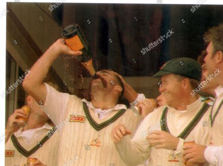 Merv Hughes Australian Cricketer Celebrates His Sides Win Against England In The 4th Ashes Test Match With A Bottle Of Champagne. Pkt 1149 - 36247.