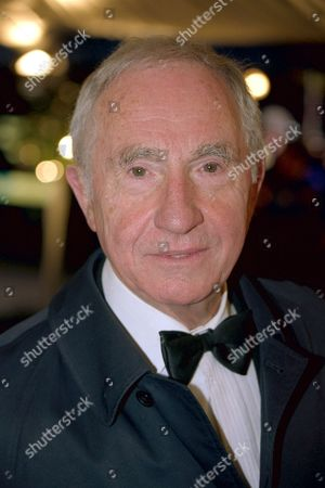 NIGEL HAWTHORNE AT THE COMEDY AWARDS ARRIVALS. , LONDON, BRITAIN
