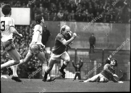 Manchester United V West Ham .alan Brazil Scores The 2nd For Manchester United Leaving Tom Mcallister Stranded.