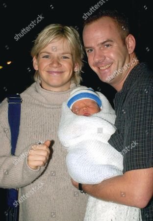 ZOE BALL AND HUSBAND NORMAN COOK AKA FATBOY SLIM LEAVE LONDON'S PORTLAND HOSPITAL WITH THEIR NEWBORN SON WOODY, BRITAIN