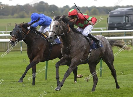 (R) Expert (Sean Levy) wins The Express Cafes Conditions Stakes from (L) Mar Mar (Silvestre De Sousa)