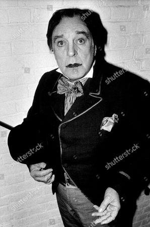 DONALD SINDEN AS OSCAR WILDE, LONDON, BRITAIN 1989.