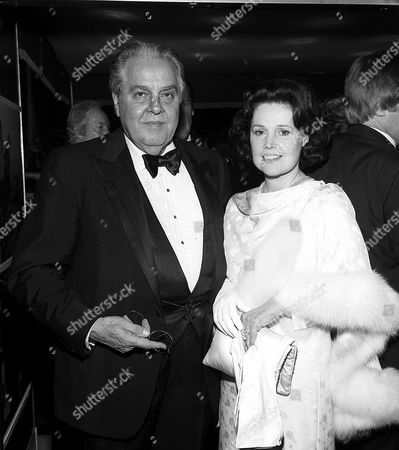ALBERT BROCCOLI AND WIFE DANA AT THE FOR YOUR EYES ONLY PREMIERE ODEON LEICESTER SQUARE LONDON