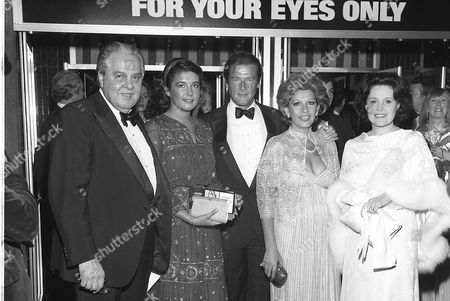 "ALBERT BROCCOLI AND WIFE, ROGER AND LUISA MOORE AND DAUGHTER DEBORAH AT THE ""FOR YOUR EYES ONLY"" PREMIERE 24/06/81"