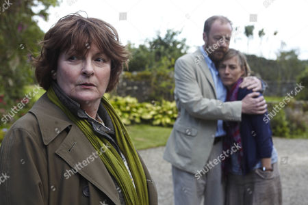 Stock Photo of Brenda Blethyn as Vera Stanhope, Reece Andrews as Dan Marsden and Saskia Reeves as Laura