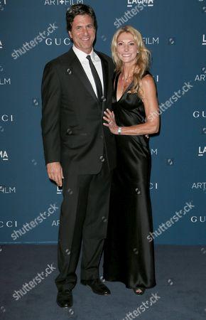 Stock Photo of Steven Levitan and wife Krista Levitan