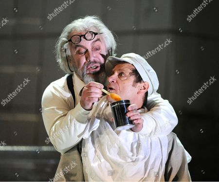 John Tomlinson as Doctor, Simon Keenlyside as Wozzeck,