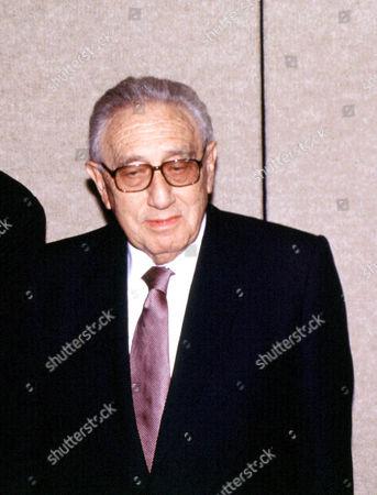 HENRY KISSINGER AT JO DIMAGGIO AWARD DINNER FOR LUCIANO PAVAROTTI, NEW YORK, AMERICA. - 00/01/01