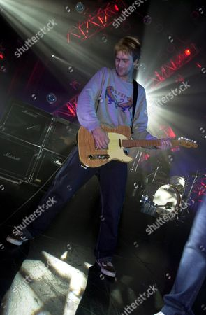 Stock Photo of KENWYN HOUSE OF REEF PERFORMING AT HALL FOR CORNWALL , TRURO , BRITAIN - 28/01/01