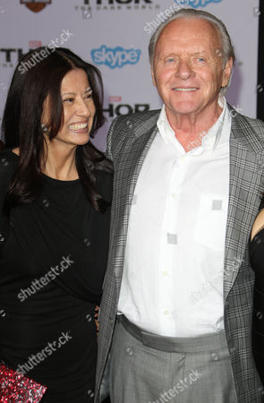 Stella Arroyave and Sir Anthony Hopkins