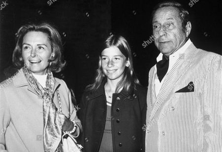 DONNA REED AND FAMILY - 1970