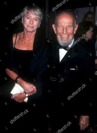 HUME CRONYN AND WIFE SUSAN AT THE MUSEUM OF TV & RADIO 50TH ANNIVERSARY OF GALA , NEW YORK, AMERICA - 02/01