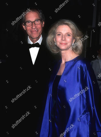 BRUCE PALTROW AND BLYTHE DANNER AT THE MUSEUM OF TV & RADIO 50TH ANNIVERSARY OF GALA , NEW YORK, AMERICA - 02/01