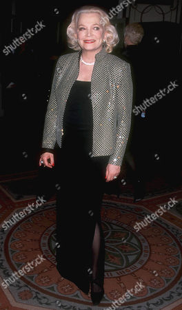 GENA ROWLANDS AT THE MUSEUM OF TV & RADIO 50TH ANNIVERSARY OF GALA , NEW YORK, AMERICA - 02/01