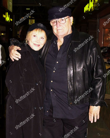 ACTOR ROD STEIGER AND WIFE JOAN BENEDICT AT LONDON HEATHROW AIRPORT, BRITAIN - 02/01
