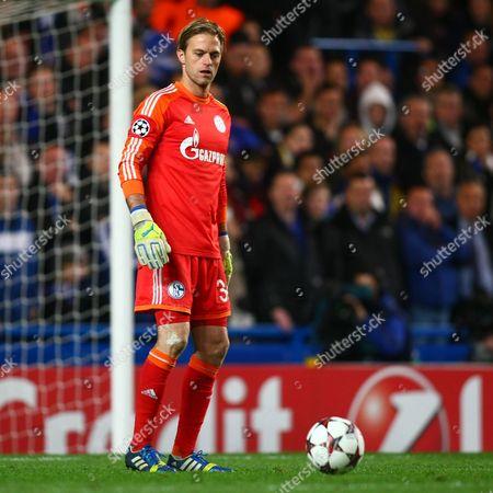 Dejected Schalke's Timo Hildebrand