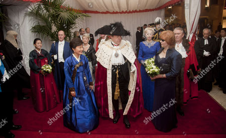 The President of Korea Park Geun-hye and the Lord Mayor Roger Gifford