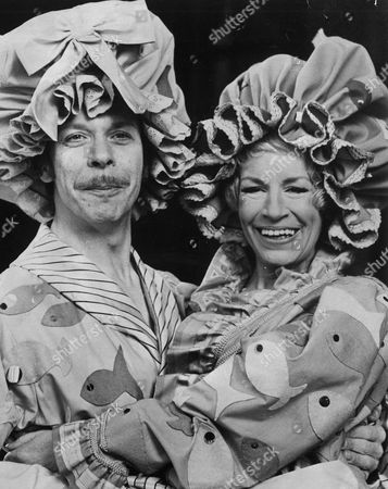 Yootha Joyce And Brian Murphy Dressed As The Ugly Sisters From The Pantomime Cinderella. They Performed At The Palladium For The Christmas Season 1976. Original Print Held In Kensington.