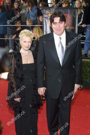 JILL GASCOINE AND ALFRED MOLINA AT THE SCREEN ACTORS GUILD AWARDS CEREMONY,AMERICA - 03/01