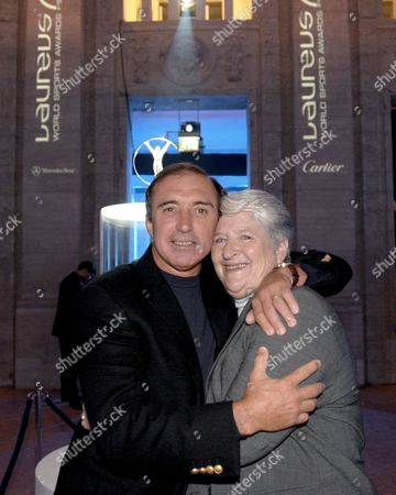 HUGO PORTA (ARGENTINA RUGBY STAR) AND AUSTRALIAN SWIMMING LEGEND DAWN FRASER AT THE LAUREUS WORLD SPORTS AWARDS, NOMINATIONS FOR 2001, IN BERLIN, GERMANY - 03/01