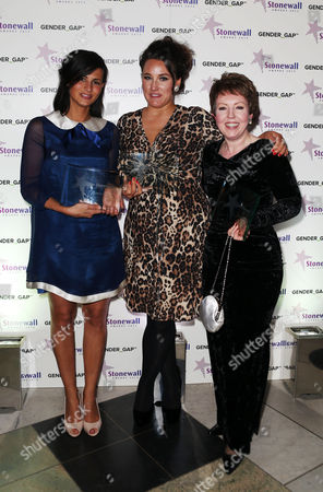 Avert of the Year award winner Mama's and Papas with Journalist of the year award to Grace Dent, Politician of the Year to Tina Stowell, Baroness Stowell of Beeston